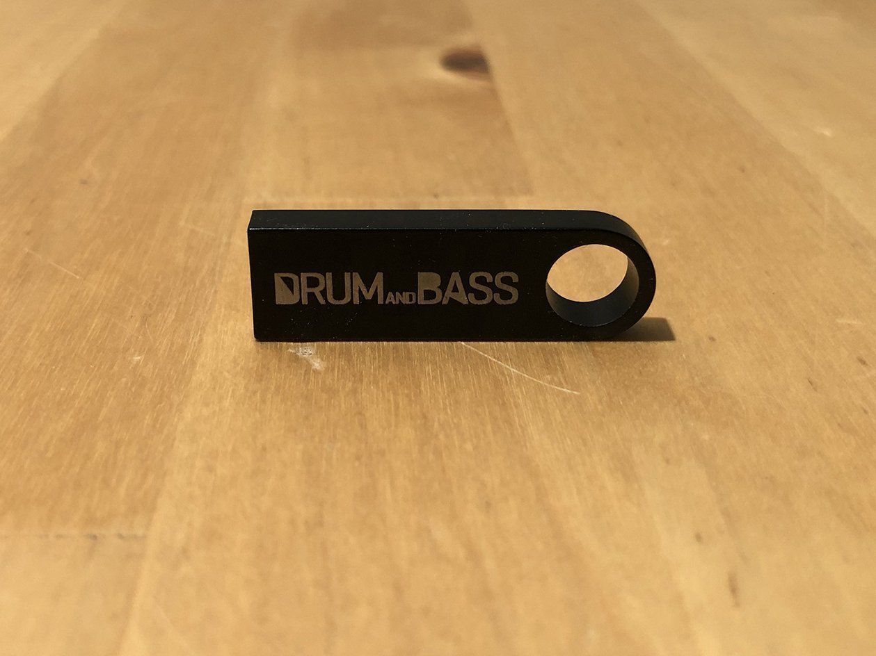 USB 3.0 pen drive - Drum and Bass